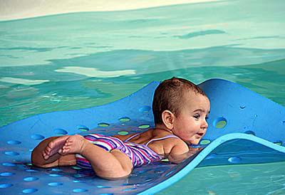 B b nageur piscine b b charleroi gerpinnes b b s for Bebe dans piscine